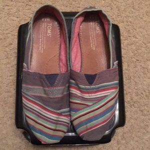EUC women's striped Toms. SO CUTE! Size 7.5.